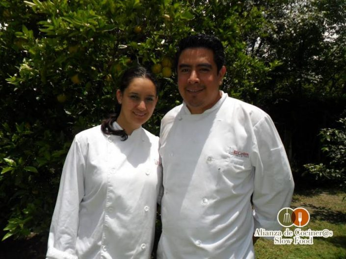 Ches Francisco Cordova y Monserrat Solis