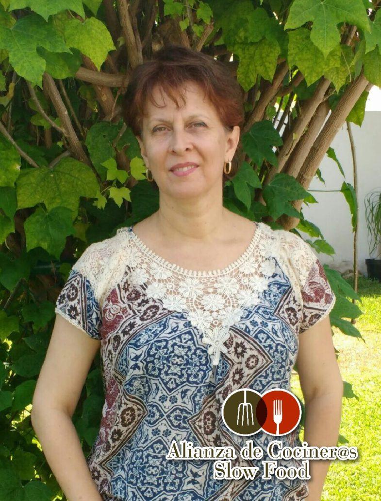 Claudia Vezallí